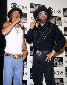 """""""Academy of Country Music Awards: 37th Annual""""5/22/02Kid Rock and Hank Williams Jr. © 2002 Glenn Weiner - Image 20184_0104"""