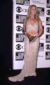 """Academy of Country Music Awards: 37th Annual""5/22/02Heidi Newfeld © 2002 Glenn Weiner - Image 20184_0126"