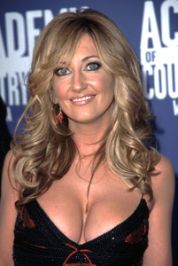 """""""Academy of Country Music Awards: 37th Annual""""5/22/02Lee Ann Womack © 2002 Glenn Weiner - Image 20184_0158"""