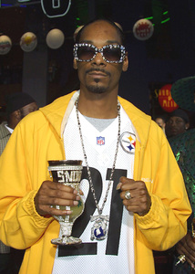 """Undercover Brother"" Premiere 5/30/02Snoop Dogg © 2002 Glenn Weiner - Image 20203_0144"