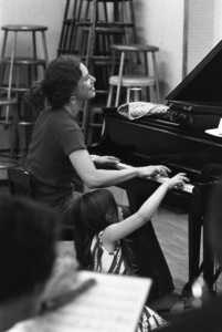 Carole King and her daughter at a rehearsal in New York City1970 © 1978 Gary Legon - Image 20231_0013