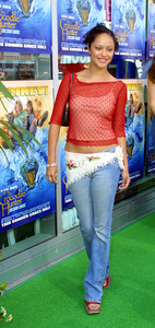 """The Crocodile Hunter: Collision Course"" Premiere6/29/02Marisa Ramirez © 2002 Glenn Weiner - Image 20304_0111"
