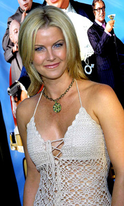 """Austin Powers in Goldmember"" Premiere 7/22/02Maeve Quinlan © 2002 Scott Weiner - Image 20321_0187"