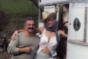 Photographer Mario Casilli and Dorothy Stratten1979© 1979 Mario Casilli - Image 20354_0051
