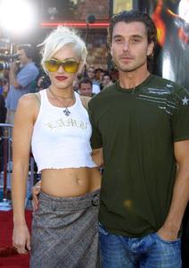 """XXX"" Premiere 8/5/02Gwen Stefani and fiance Gavin Rossdale © 2002 Glenn Weiner - Image 20362_0115"