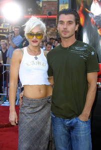 """XXX"" Premiere 8/5/02Gwen Stefani and fiance Gavin Rossdale © 2002 Glenn Weiner - Image 20362_0116"