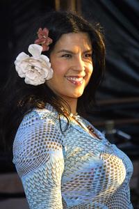 """Blue Crush"" Premiere 8/8/02Rebekah Del Rio © 2002 Glenn Weiner - Image 20366_0144"