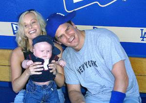 Hollywood Stars Baseball Game 8/10/02David Boreanaz with wife Jaime Bergman and son © 2002 Glenn Weiner - Image 20372_0119
