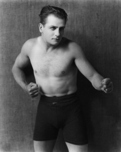 "Reginald Denny""Leather Pusher, The""(Series of shorts)1922-1924 Universal / **I.V. - Image 20386_0002"