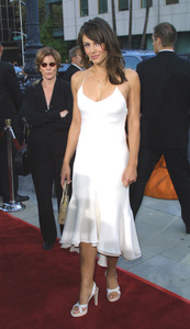 Serving Sara: Premiere, Academy of Motion Picture Arts & Sciences, Beverly HillsElizabeth Hurley 8/20/02 © 2002 Glenn Weiner - Image 20397_0116