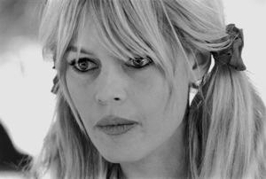 "Brigitte Bardot in ""Viva Maria""1965 UA**I.V. - Image 2043_0075"
