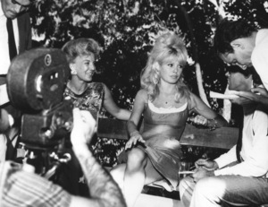 Brigitte Bardot holds press conference in Brazil1964 - Image 2043_0162