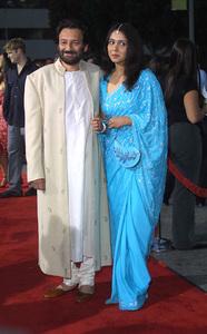 Four Feathers, The: PremiereShekhar Kapur with wife Suchitra KrishnamurtiMann Village Theater, Westwood, CA  9/17/02 © 2002 Glenn Weiner - Image 20473_0194