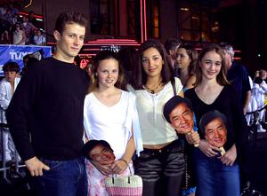 Tuxedo, The: PremiereWill Estes, Sarah Ramos, Vanessa LengiesMann Chinese Theater, Hollywood, CA  9/19/02 © 2002 Glenn Weiner - Image 20474_0105