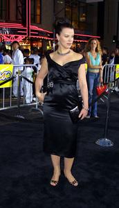 Tuxedo, The: PremiereDebi MazarMann Chinese Theater, Hollywood, CA  9/19/02 © 2002 Glenn Weiner - Image 20474_0116