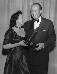 """Academy Awards - 23rd Annual""Mercedes McCambridge, George Sanders1951**I.V. - Image 20585_0005"