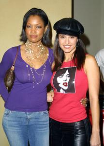 Women Rock Benefit ConcertGarcelle Beauvais Nilon & Jacqueline ObradorsKodak Theater Hollywood, California 10/10/02 © 2002 Glenn Weiner - Image 20589_0100