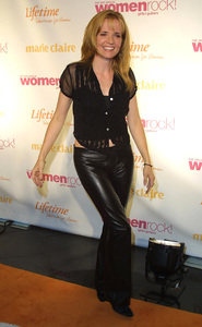 Women Rock Benefit ConcertLea ThompsonKodak Theater Hollywood, California 10/10/02 © 2002 Glenn Weiner - Image 20589_0142