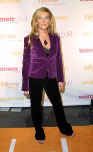 Women Rock Benefit ConcertLee Ann WomackKodak Theater Hollywood, California 10/10/02 © 2002 Glenn Weiner - Image 20589_0148