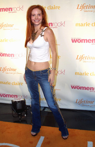 Women Rock Benefit ConcertPhebe PriceKodak Theater Hollywood, California 10/10/02 © 2002 Glenn Weiner - Image 20589_0169