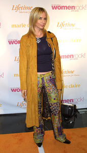 Women Rock Benefit ConcertRosanna ArquetteKodak Theater Hollywood, California 10/10/02 © 2002 Glenn Weiner - Image 20589_0170