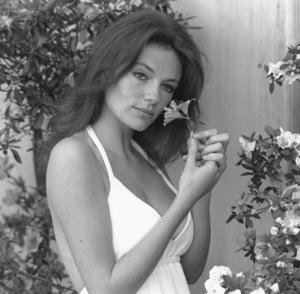 Jacqueline BissetC. 1972**I.V. - Image 2083_0074