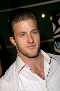 Sonny PremiereScott CaanArclight theatres in Hollywood, CA 12/9/02 © 2002 Scott Weiner - Image 20845_0133