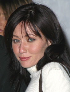 Motorola Holiday Party - 4th Annual Shannen Doherty The Lot in West Hollywood, CA. 12/05/02 © 2002 Glenn Weiner - Image 20861_0287