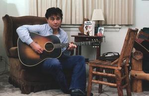 Robert Blake at home March 1983 © 1983 Gene Trindl - Image 2090_0004