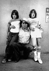 Robert Blake and his sons1976 © 1978 Ulvis Alberts - Image 2090_0013