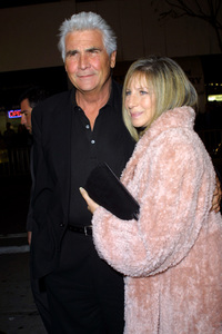 A Guy Thing Premiere Barbra Streisand & husband James Brolin Mann Bruin Theatre in Westwood, CA 1/14/03 © 2003 Glenn Weiner - Image 20913_0109