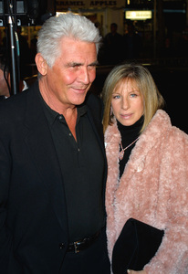A Guy Thing Premiere Barbra Streisand & husband James Brolin Mann Bruin Theatre in Westwood, CA 1/14/03 © 2003 Glenn Weiner - Image 20913_0151