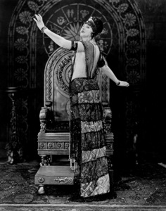 "Betty BlytheIn ""The Queen Of Sheba""1921 Fox**I.V. - Image 2096_0012"
