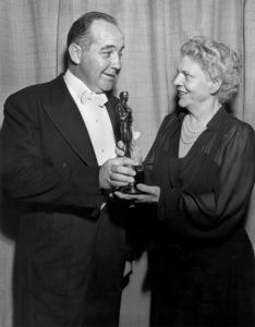 """Academy Awards - 17th Annual""Broderick Crawford, Ethel Barrymore1945**I.V. - Image 21170_0001"