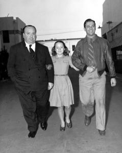 """""""Saboteur""""Dir. Alfred Hitchcock, his daughter Patriciaand Robert Cummings1942 Universal**I.V. - Image 21298_0001"""