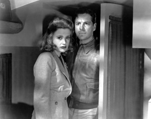 """Saboteur""Robert Cummings and Priscilla Lane1942 Universal**I.V. - Image 21298_0005"