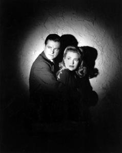"""Saboteur""Robert Cummings and Priscilla Lane1942 Universal**I.V. - Image 21298_0020"