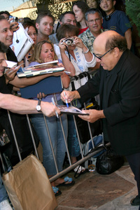 """Terminator 3: Rise of the Machines"" Premiere 6/30/03Danny Devito © 2003 Sam Kweskin - Image 21316_0028"