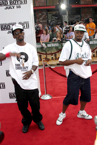"""Bad Boys 2"" Premiere 7-9-03Shawn Stockton, Nathan Morris from Boyz 2 Men © 2003 Sam Kweskin - Image 21319_0023"
