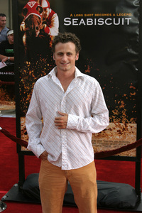 """""""Seabiscuit"""" Premiere 7-22-03David Moscow - Image 21344_0022"""