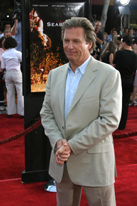 """Seabiscuit"" Premiere 7-22-03Jeff Bridges - Image 21344_0048"