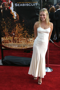 """Seabiscuit"" Premiere 7-22-03Chloe Sevigny - Image 21344_0063"