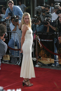 """Seabiscuit"" Premiere 7-22-03Chloe Sevigny - Image 21344_0066"