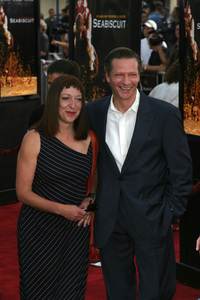 """Seabiscuit"" Premiere 7-22-03Chris Cooper and wife Marianne Leone - Image 21344_0082"