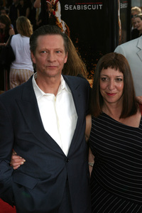 """Seabiscuit"" Premiere 7-22-03Chris Cooper and wife Marianne Leone - Image 21344_0084"