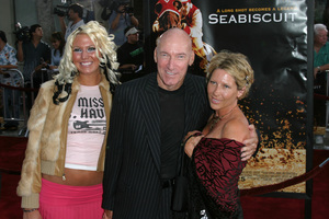 """Seabiscuit"" Premiere 7-22-03Ed Lauter and family - Image 21344_0094"