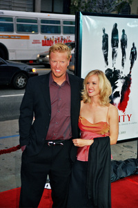 """Identity"" PremiereJake Busey and Katee Penergast4/23/2003Photo by Cindy Burtin - Image 21347_0012"