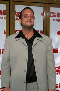 """Gigli"" Premiere 7-27-03Lenny VenitoPhoto By Sam Kweskin - Image 21352_0016"