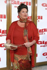 """""""Gigli"""" Premiere 7-27-03Lainie KazanPhoto By Sam Kweskin - Image 21352_0027"""