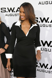 """""""S.W.A.T."""" Premiere 7-30-03Garcelle Beauvais-NilonPhoto By Sam Kweskin - Image 21354_0043"""